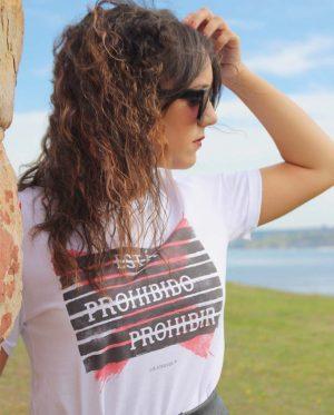 Camiseta Prohibir - Camiseta Unisex- Live Forever -